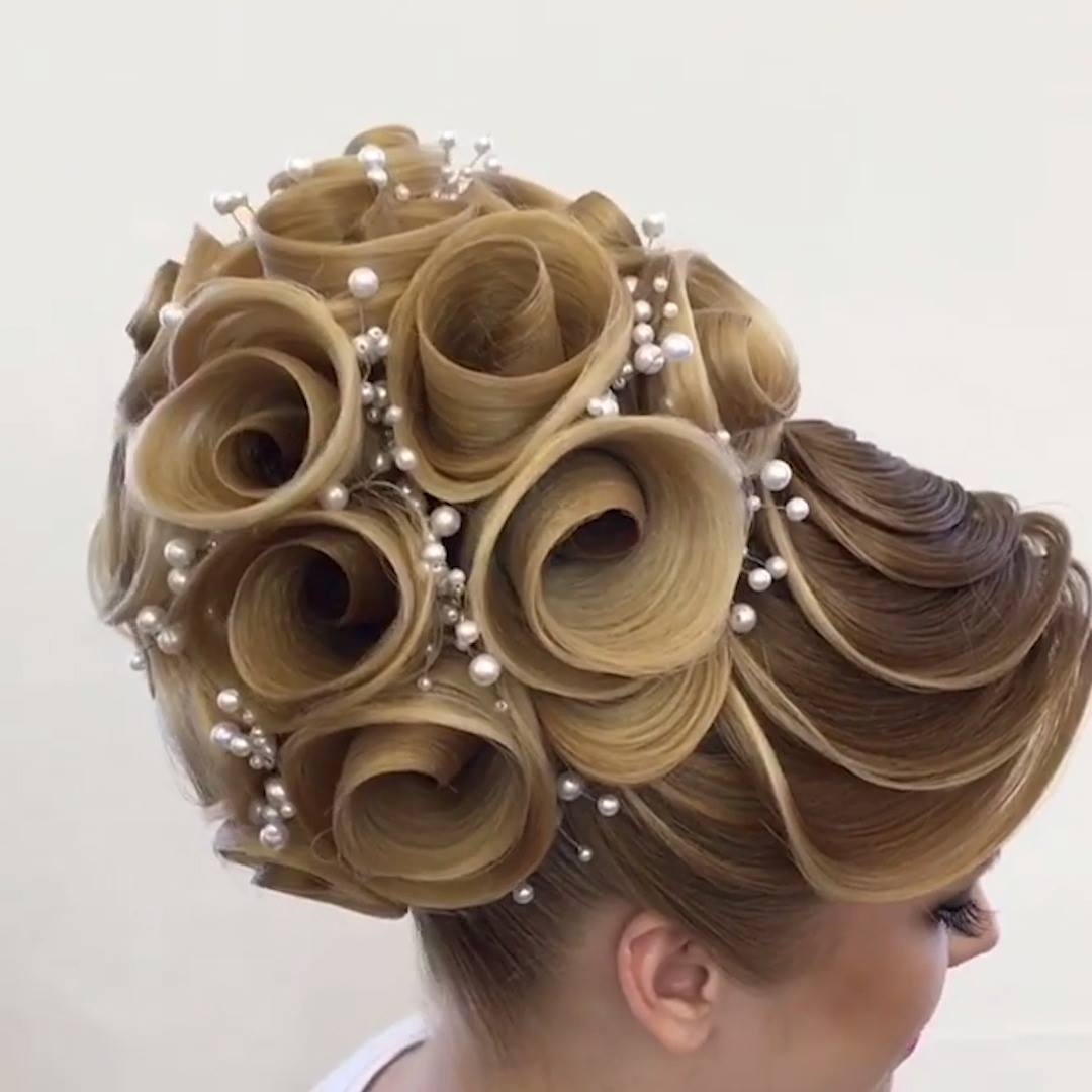 AVANT GARDE BRIDAL HAIR? Another jaw dropping hair art creation from @georgiykot, who has…